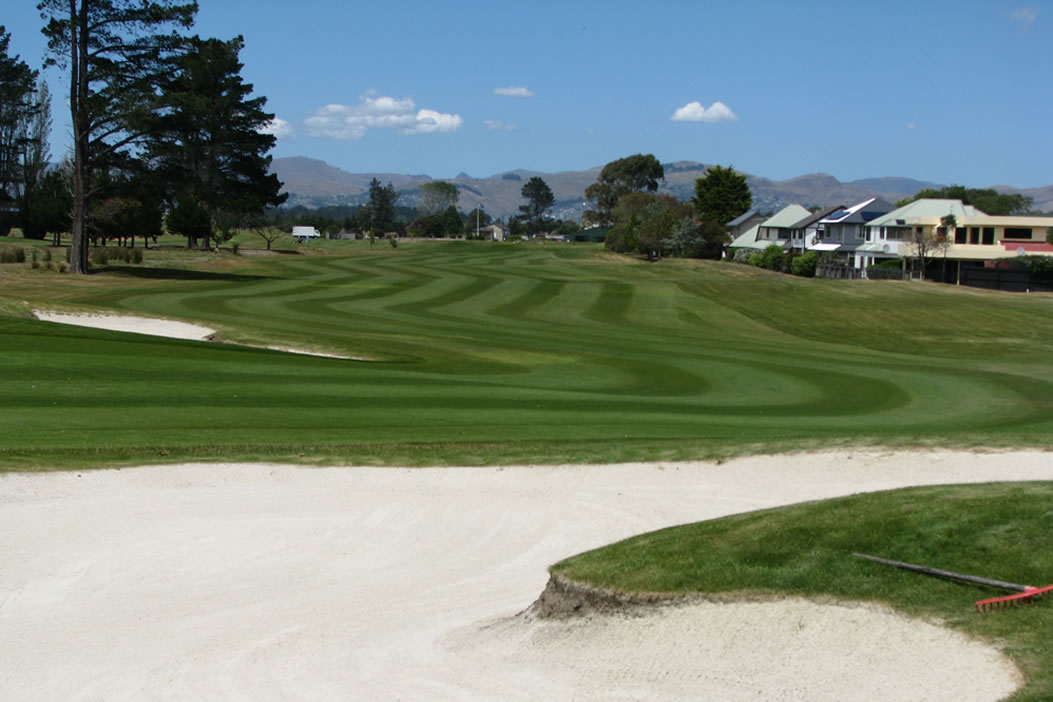 <strong>WAIMAIRI BEACH GOLF CLUB<span><b>in</b>IRRIGATION </span></strong><i>&rarr;</i>
