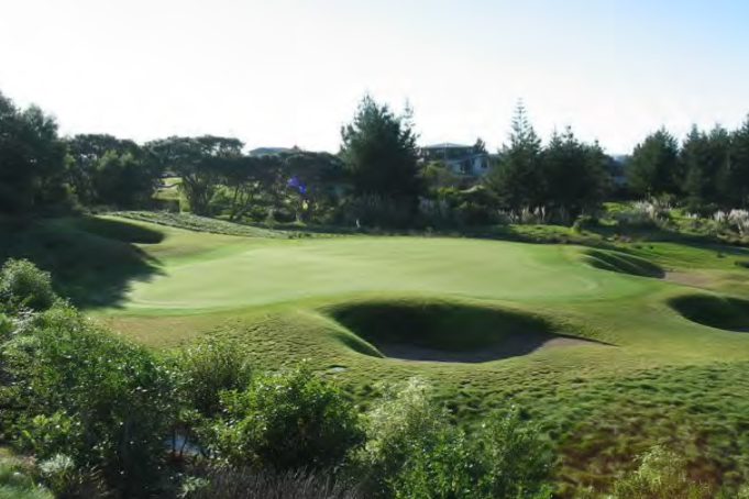 <strong>Peninsula Golf Course<span><b>view larger</b></span></strong><i>→</i>